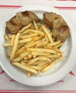 pollo frito con cebolla